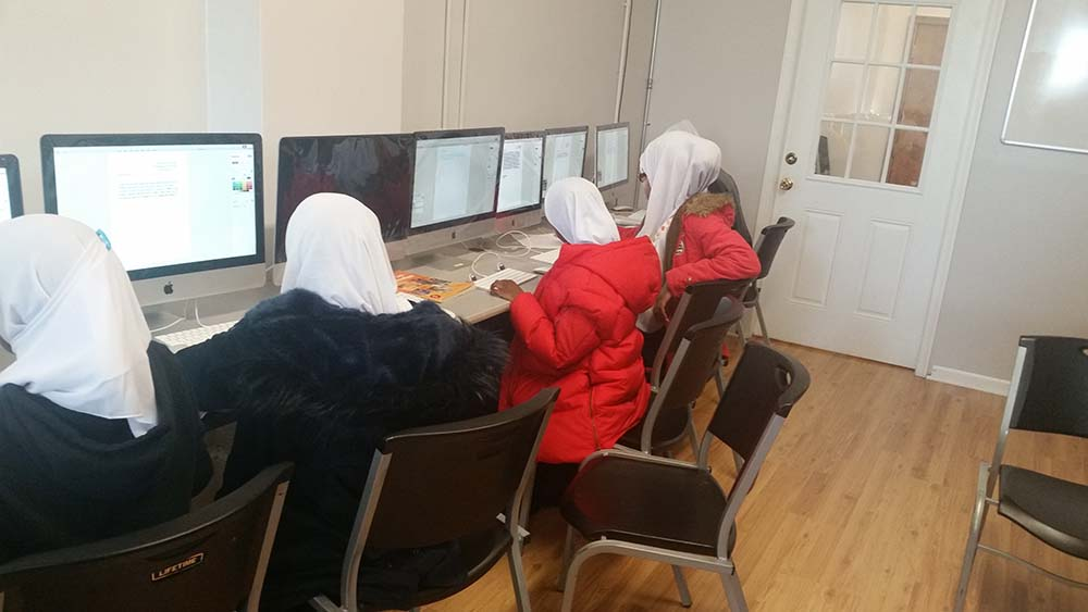 5th Graders in the Computer Room